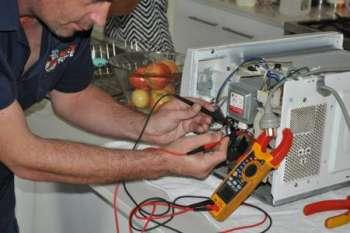 Можно ли отремонтировать микроволновку самостоятельно?